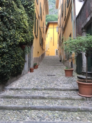 Image of cobblestones in Varenna, Italy