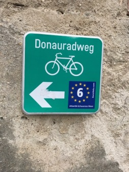 Image of the Donauradweg Marker