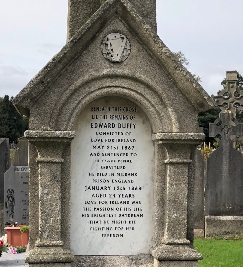 Image of a Fenian grave in Glasnevin