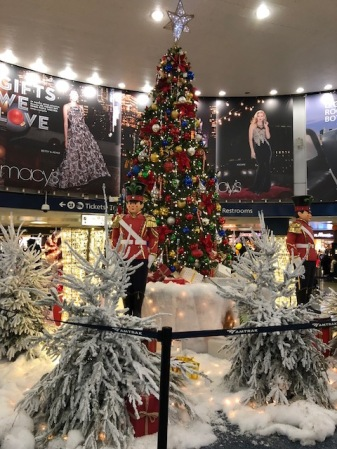 Image of Penn Station Christmas Decorations