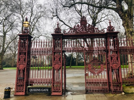 Image of Queens Gate at Kensington Gardens