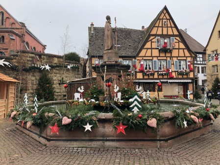 Image of Eguisheim fountain at Christmas